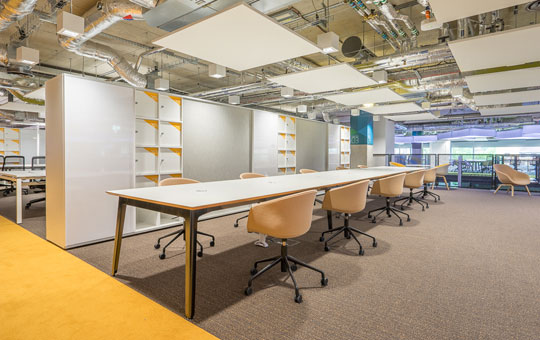 Minimalist Office Interior - Plexal